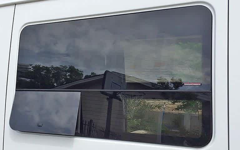 Окна и люки для фургона