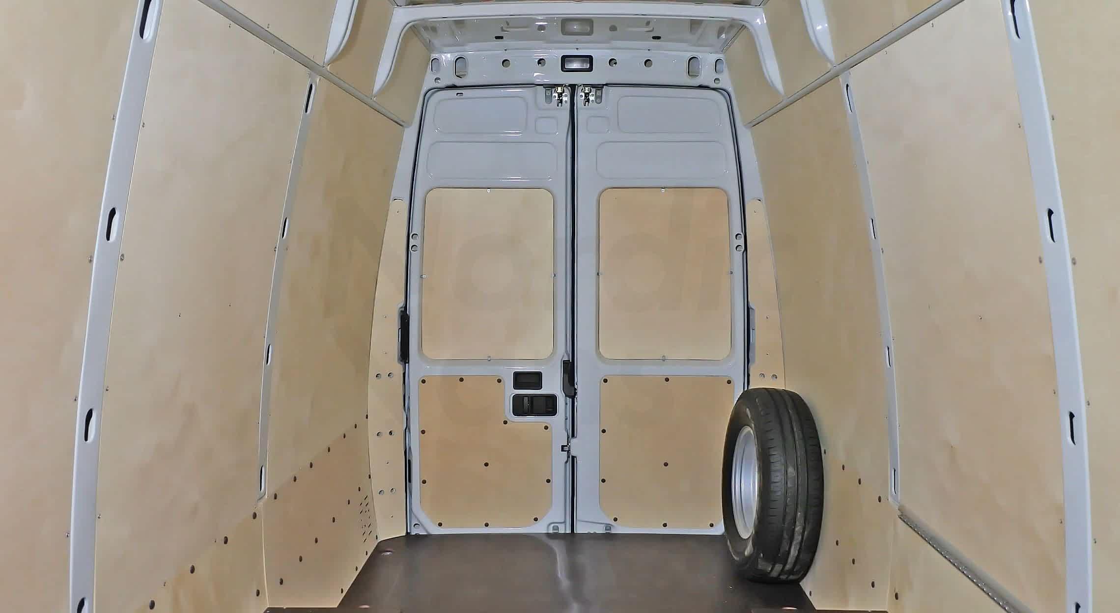 Обшивка фургона берёзовой фанерой
