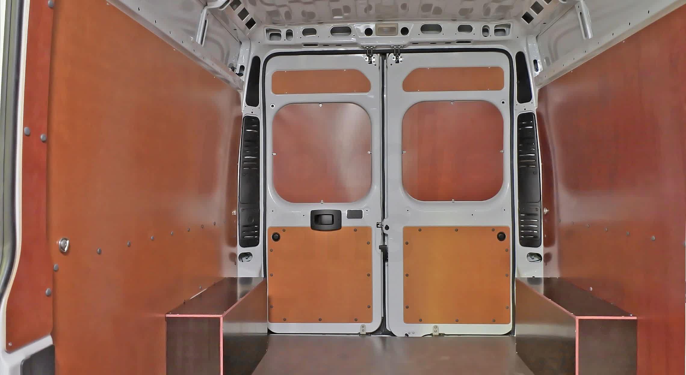Обшивка фургона коричневой фанерой